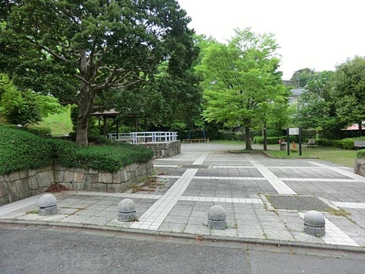 小山田桜台ねむの木公園 距離約900m
