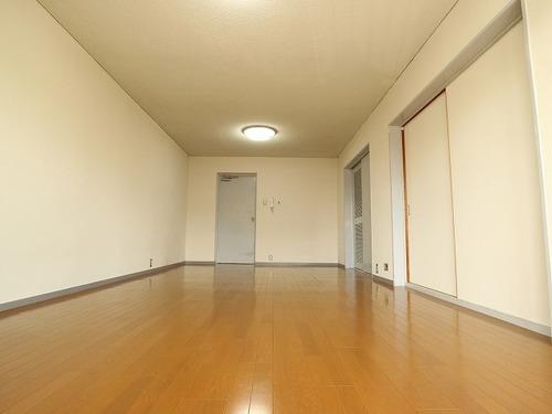 【ハウス上野毛】~専有面積100㎡超の広々空間~南向き3SLDKのお部屋の画像