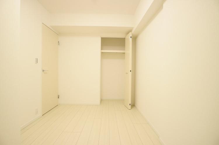各部屋クローゼット付の2LDK。お子さまも憧れの個室が持てます。ただ暮らすだけでなく、快適さを求めて毎日気持ちの良い日々を。