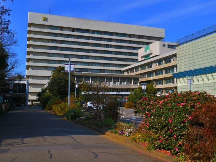 慶應義塾大学病院 約1400m