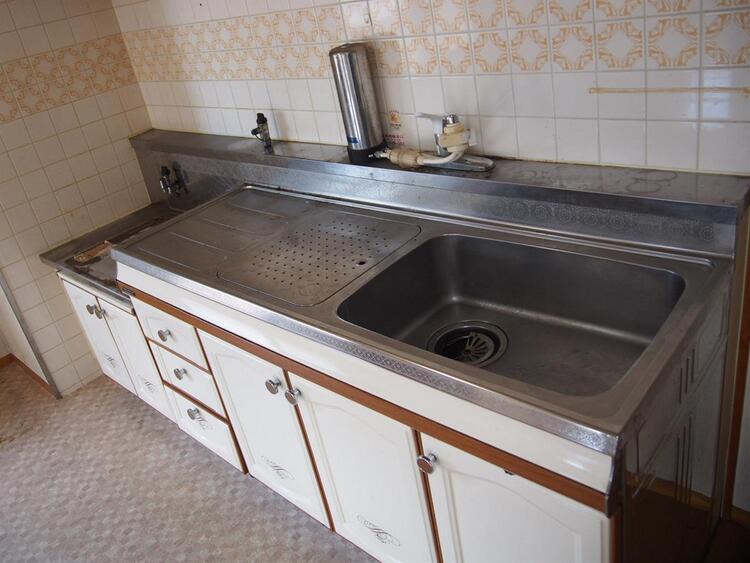 調理器具やお鍋なども入りスッキリと片付きそうです。