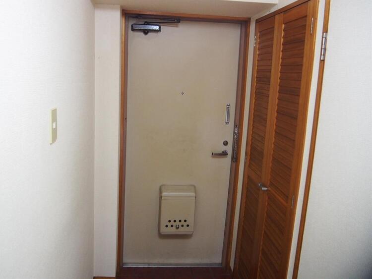 玄関にはシューズボックスがあるのですっきりと片付きそうです。