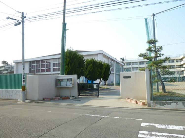 仙台第二中学校 徒歩12分(約900m)