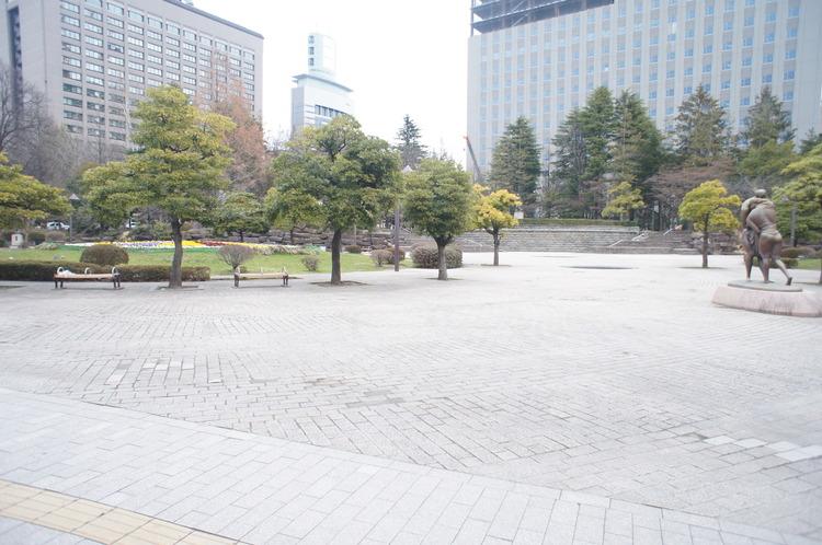 勾当台公園 徒歩5分(約350m)