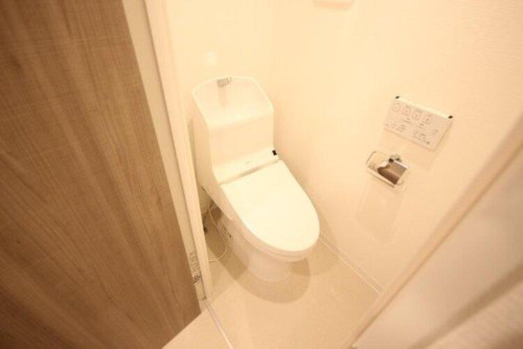 清潔感のあるお手洗い。毎日使う場所だから、より快適な空間に仕上げられています。