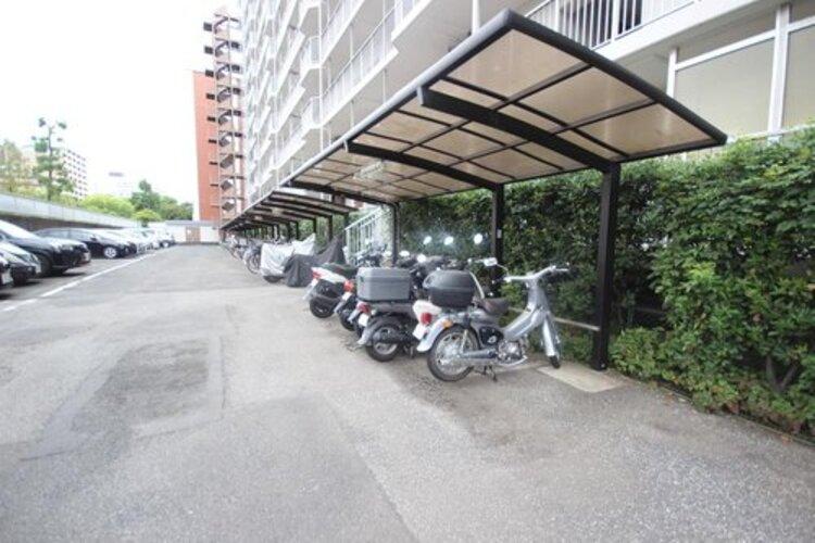 バイク置き場もございます。