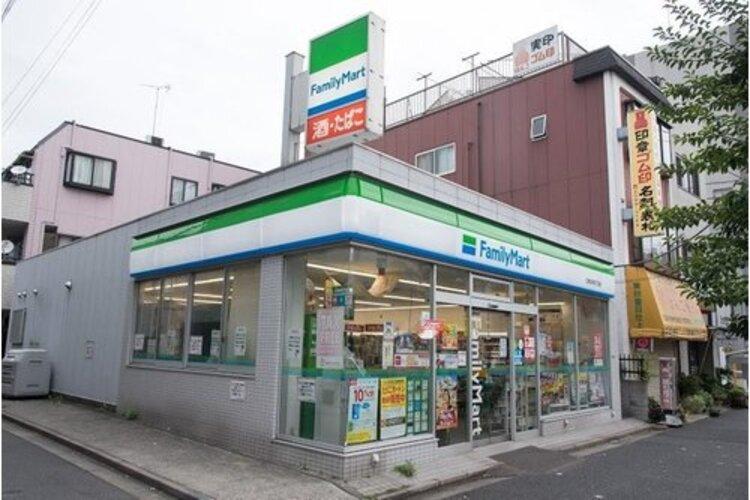 ファミリーマート江東北砂四丁目店まで266m。「あなたと、コンビに、ファミリーマート」 「来るたびに楽しい発見があって、新鮮さにあふれたコンビニ」を目指してます。