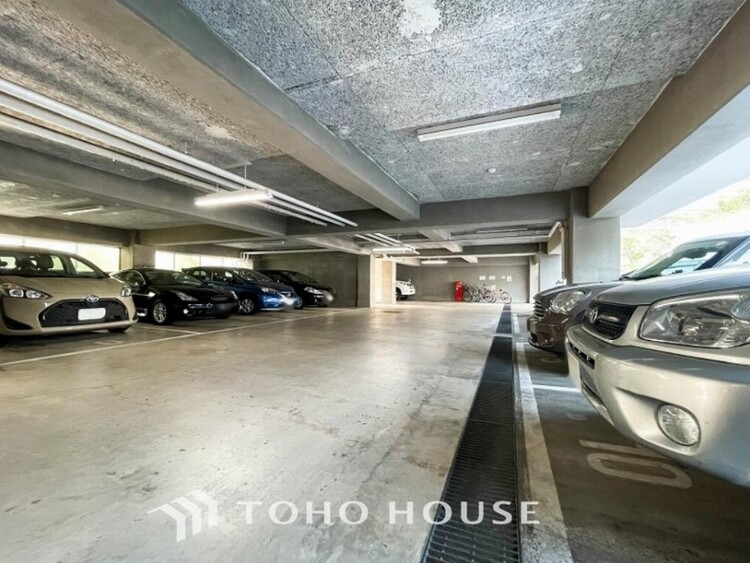 敷地内に駐車スペースがあると、日々の暮らしのをスムーズに運ぶ事が出来ます。