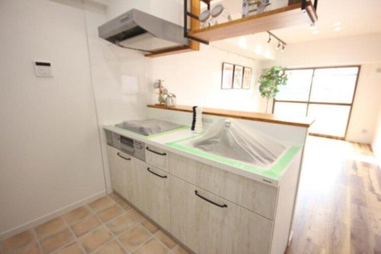 使いやすくスタイリッシュなキッチン空間。奥様の意見が存分に活かされています。