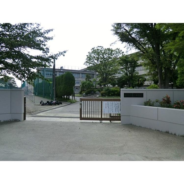 第二中学校(約400m)