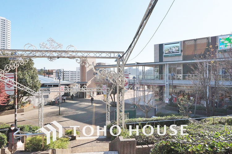JR横須賀線・東海道本線「東戸塚」駅 距離1200m