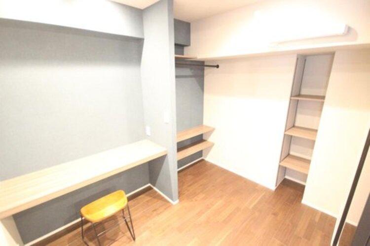 スッキリとした居住空間かつ独立性を高めたお部屋。使い勝手の良い開放的な間取りが魅力的です。