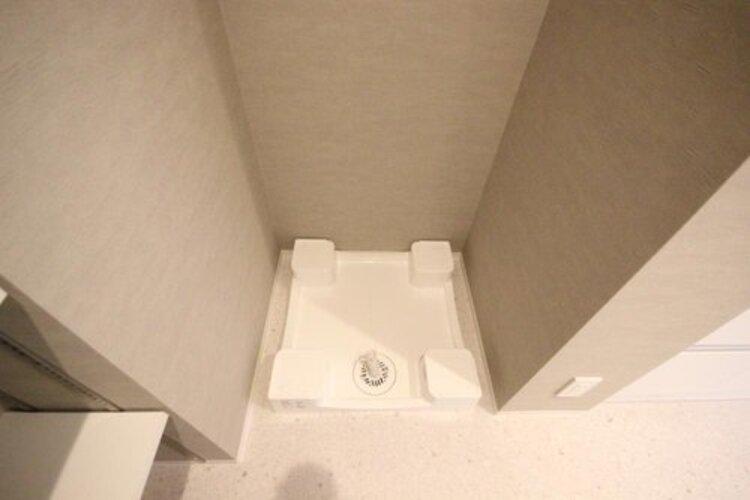 洗濯機の防水パンが備わっております。