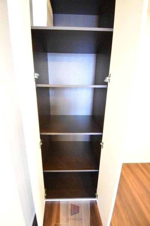 十分な収納スペースを確保されています♪こちらの居室の十分な収納をどのようにアレンジするかはあなた次第です♪