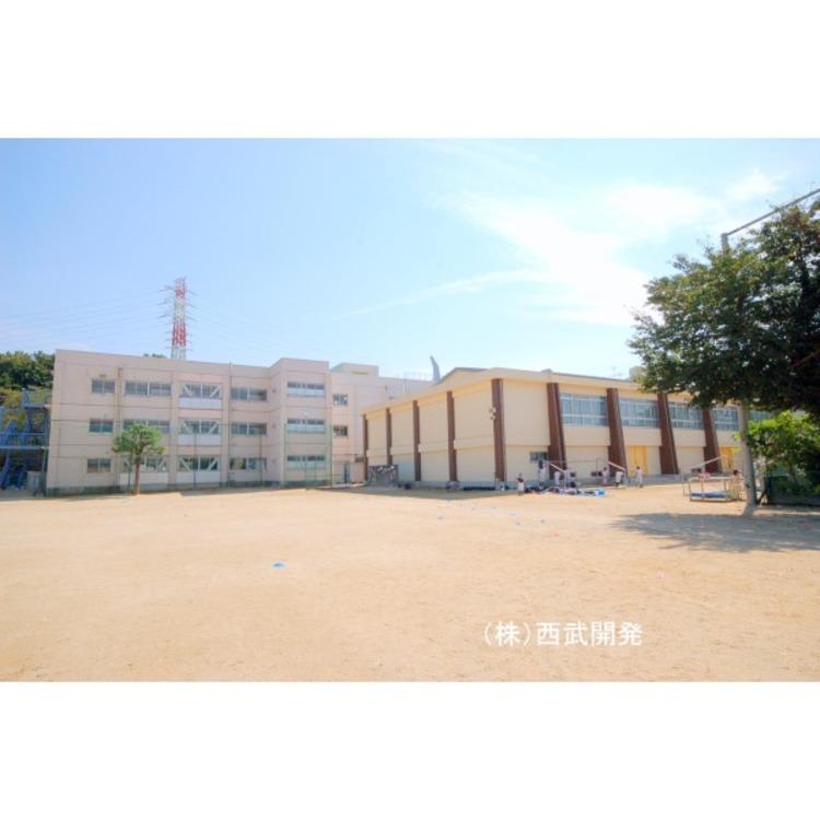 第四小学校(約1500m)