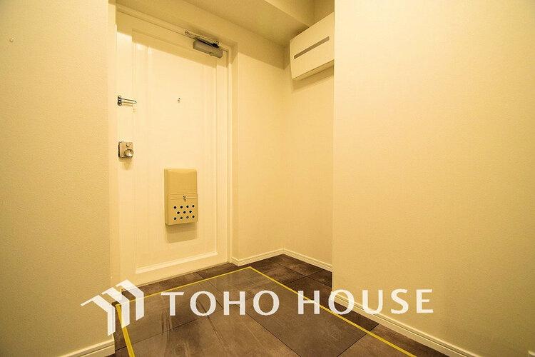 白い清潔感のある玄関