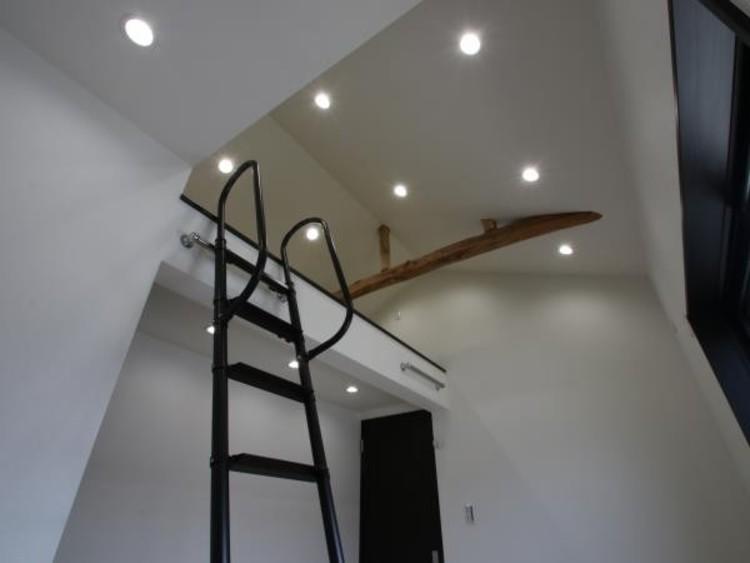 5.5帖洋室上部のロフトは、大きな空間に仕上げました。