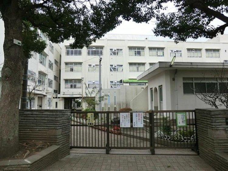 横浜市立二俣川小学校まで773m