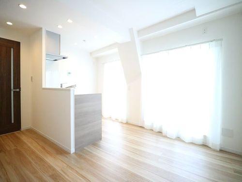 『ライオンズマンション多摩川六郷』~フルリフォーム完了~角住戸の明るいお部屋の画像