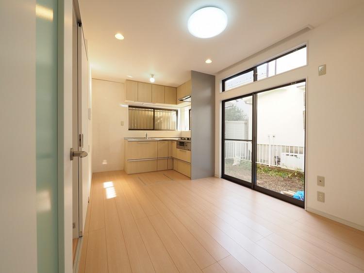 ダウンライトをふんだんに盛り込んだデザイン性あふれる空間。せっかくのマイホームはきっと楽しい方がいい。