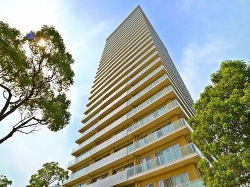 『ザ・リバープレイスウエストタワー』 ~緑に囲まれたビッグコミュニティの最上階!~の物件画像