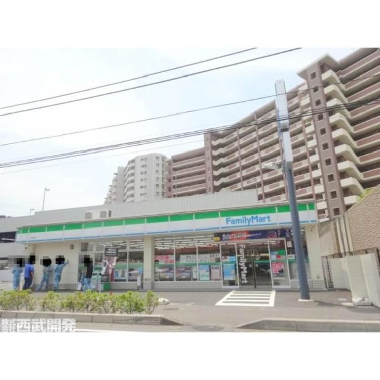 ファミリーマート川口末広店(約560m)