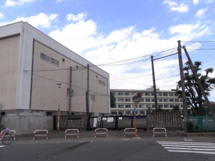 町田第二中学校まで約1110m