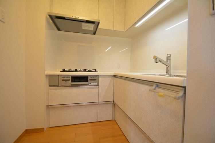L字型独立タイプのキッチン