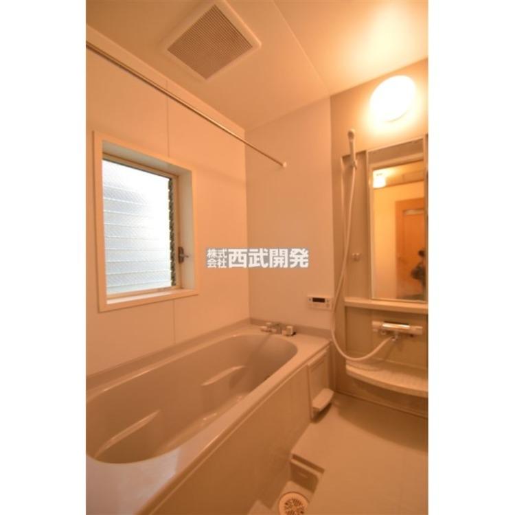 広々1坪タイプの浴室。