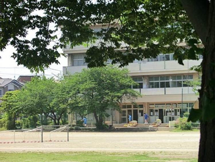 上尾市立南中学校1412m