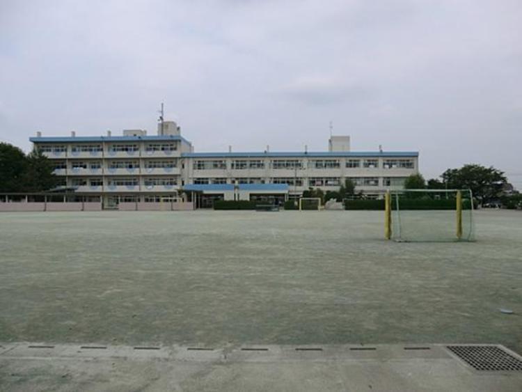 さいたま市立春岡小学校 650m
