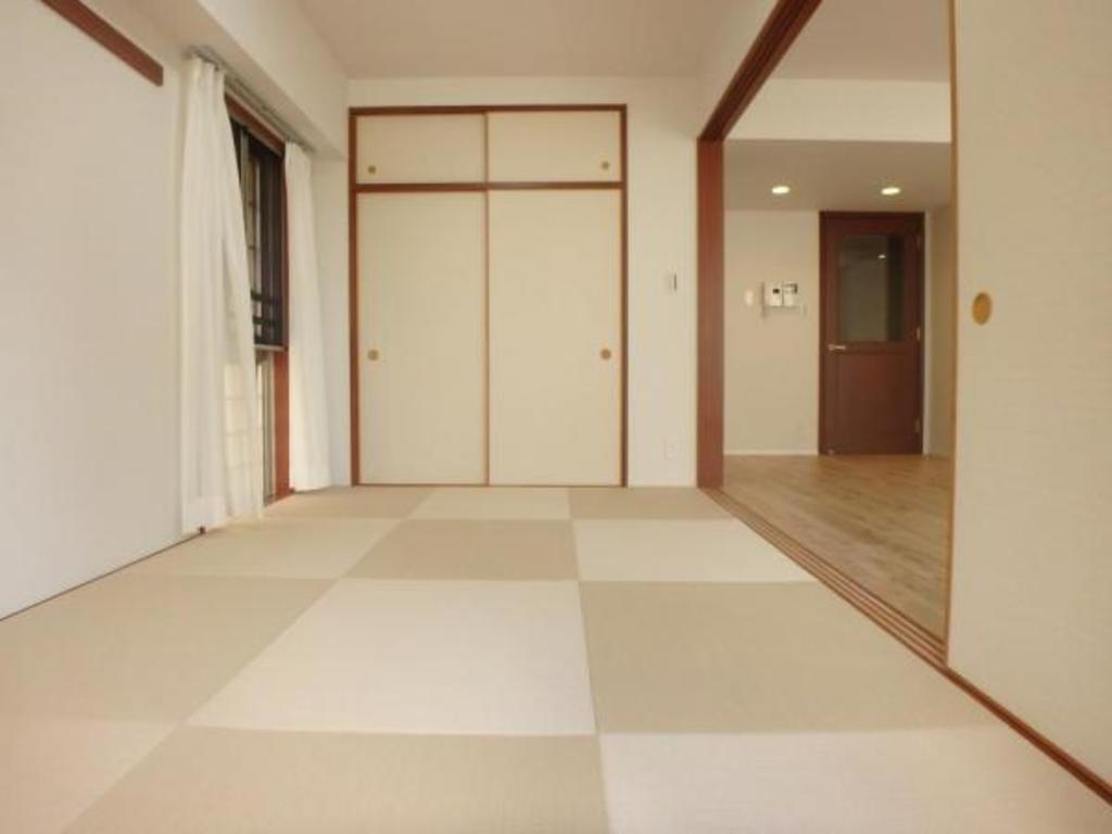 畳の香りがほのかに感じられる、和の空間