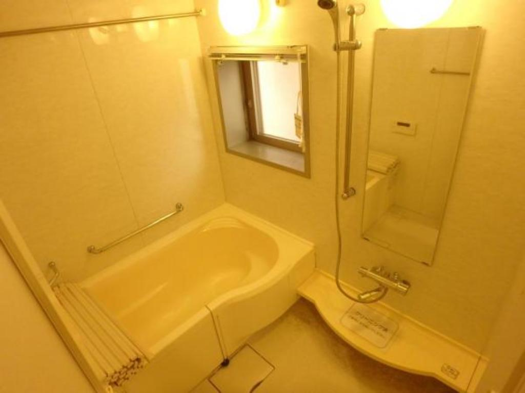 大きな浴室は、小さなお子様と一緒に入浴を楽しむことができます