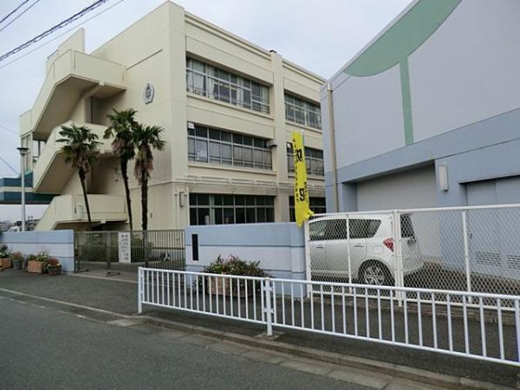 横浜市立中川中学校3700m