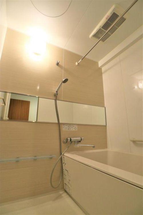 「バスルーム」 浴室乾燥機付き