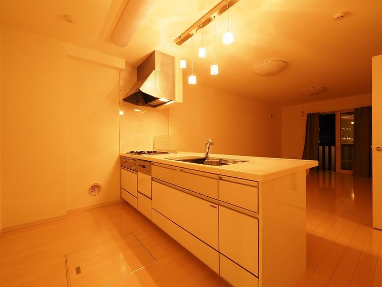 美しさと機能性に定評のある対面キッチンを採用しました。