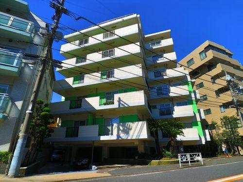 『代々木ホームガーデン』~代々木駅より10分♪3方角住居の開放感!~の画像