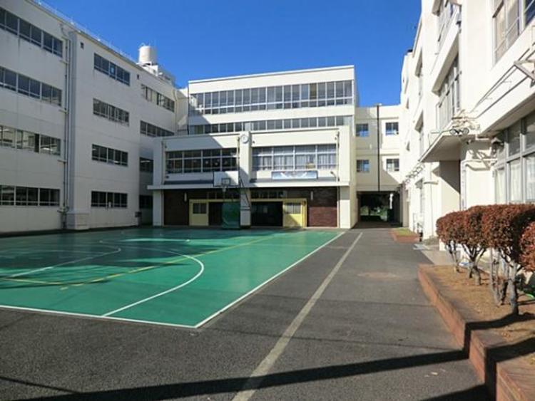 日吉台西中学校1700m