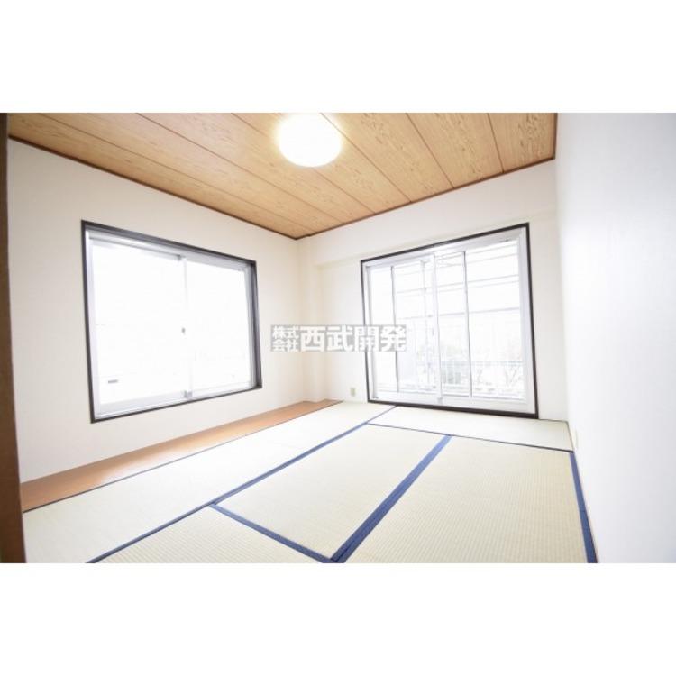 【和室】日本特有の部屋「和室」。障子越しに溶け込む太陽の明かりは、心を和ませてくれます。