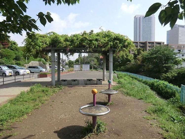 笹野橋公園 徒歩1分。 80m