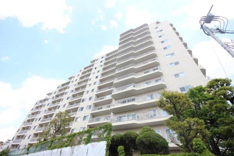 1972年12月に竣工した総戸数273戸の大規模マンション。管理体制も良く安心してお住まい頂けます。