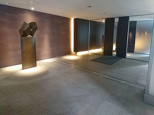 【ディアナガーデン広尾】広尾駅より徒歩1分!ペットと暮らせる収納豊富な2LDKの画像