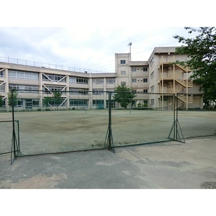 東村山市立第六中学校(約1360m)
