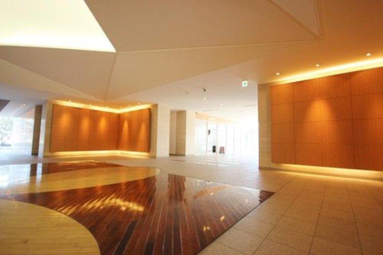 お部屋のドアをあければそこには・・。タワーマンションの中央部分の空間がこちらの景観です。