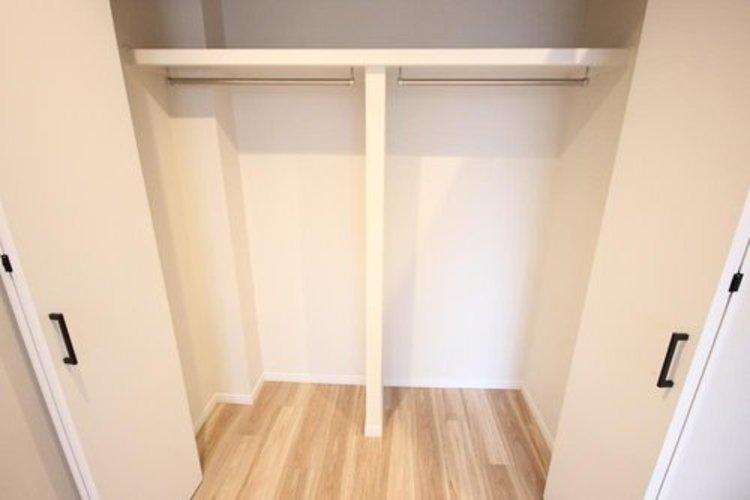 各部屋を最大限に広く使って頂ける様、全居住スペースに収納付。プライベートルームはゆったりと快適に。