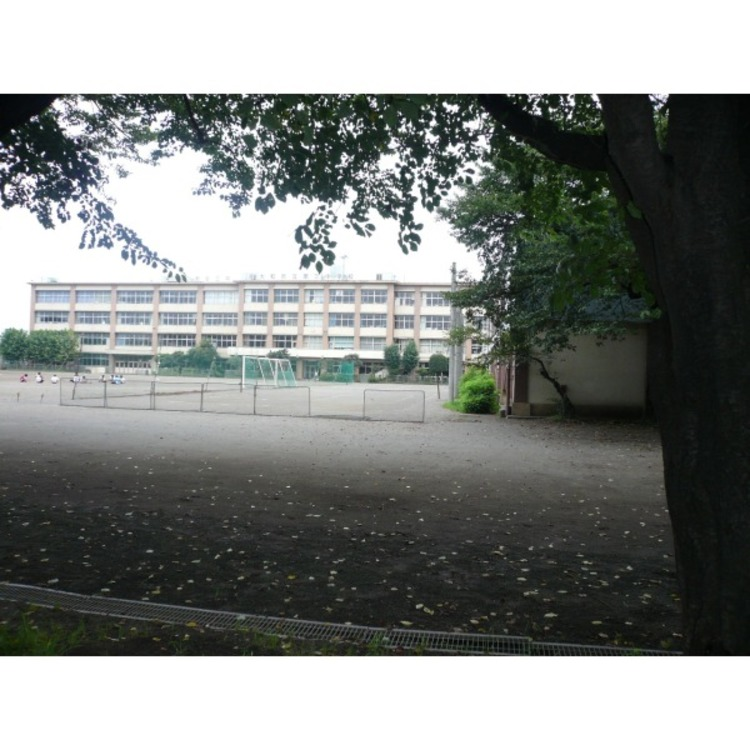 第三中学校(約400m)