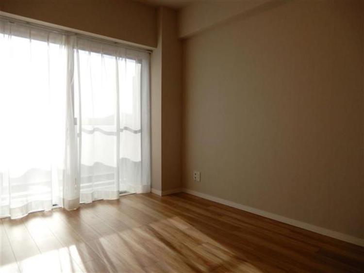 洋室3 約6.0帖 寝室などにおすすめの陽当たり良好のお部屋です。