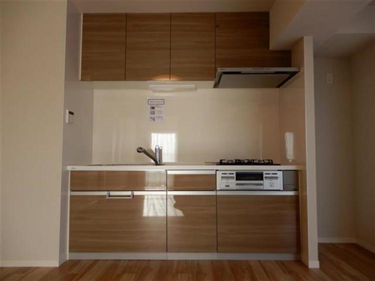 キッチンはパナソニックのオシャレなデザインのものを新設。