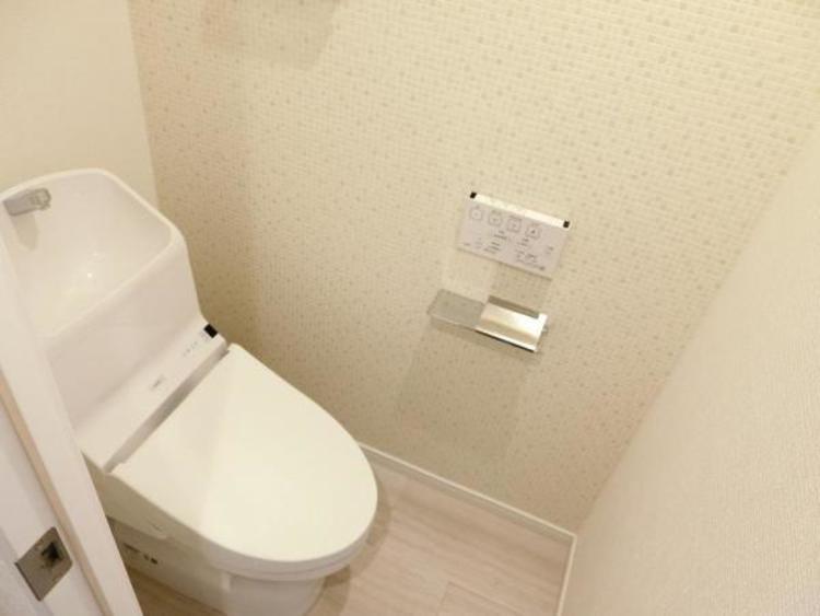 お掃除しやすいピカピカトイレです!