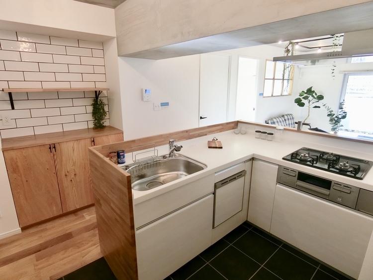 食洗機つきのL字キッチン